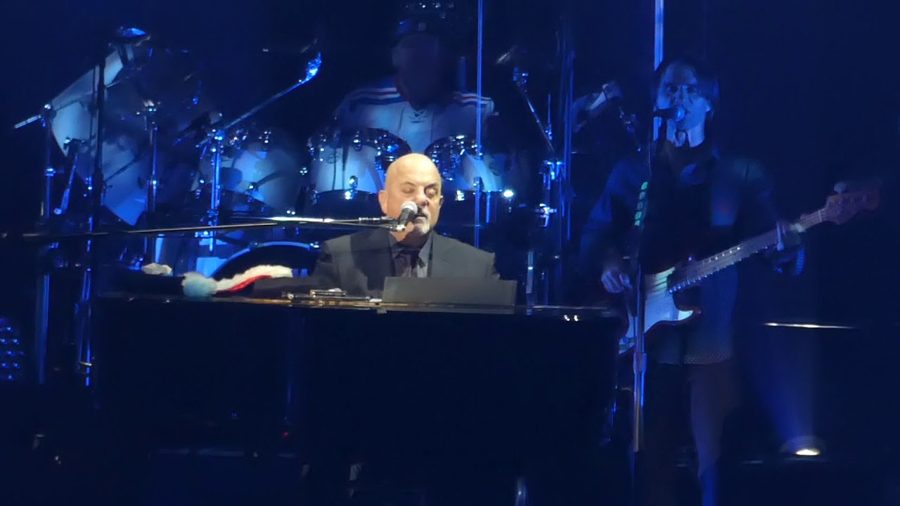 Rudolph River Of Dreams Jingle Bell Rock Billy Joel Msg New York 12 20 17 Youtube