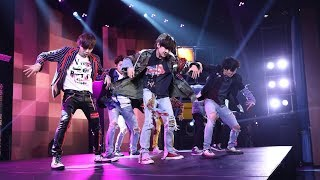 Baixar BTS Takes the Stage with Fake 'Love'