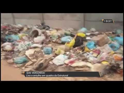Lixo e entulho em quadra da Estrutural