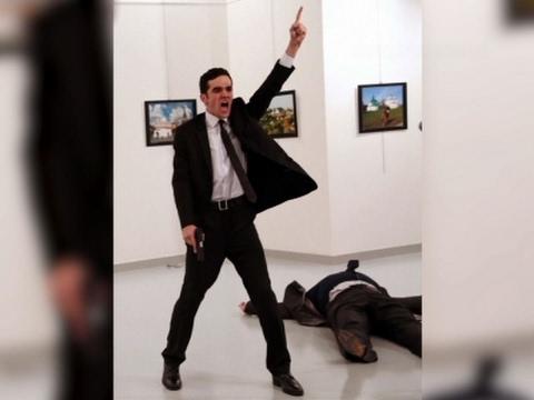 AP Photog Wins Top Prize for Assassination Photo