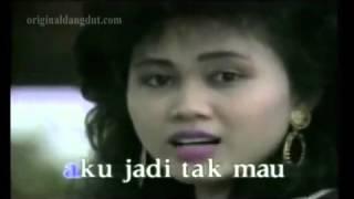 Video Gadis Manja Group   Cinta Karet Original Video Clip & Clear Sound Not Karaoke download MP3, 3GP, MP4, WEBM, AVI, FLV Maret 2018