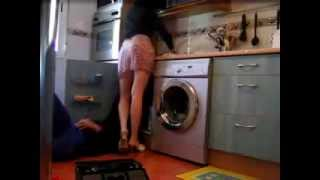 Repeat youtube video Beware Plumber  - Attention au Plombier