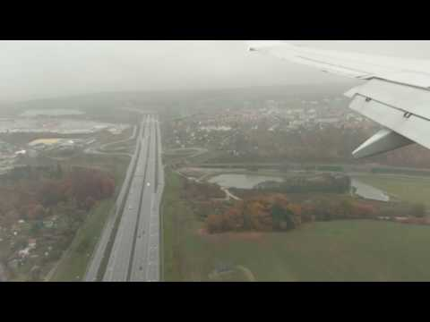 Stormy Weather - Ryanair Boeing 737-800 landing at Gdańsk Lech Walesa Airport