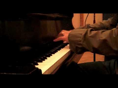 Vijay Iyer Trio . Galang (trio riot version) .