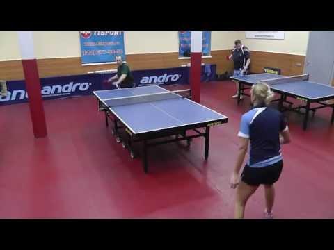 настольный теннис - игра у стола