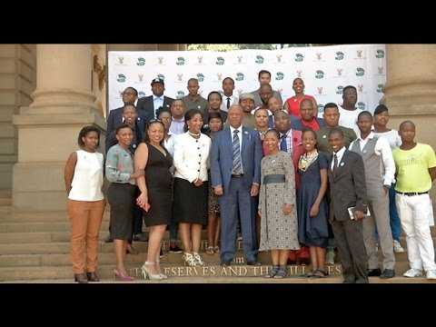 Minister Jeff Radebe meets the South African Youth Awards Winners at the Union Buildings