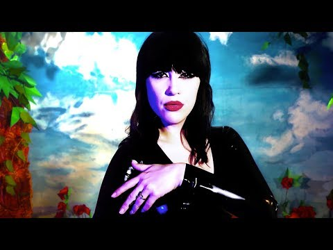 Dum Dum Girls - Lost Boys And Girls Club [OFFICIAL VIDEO]