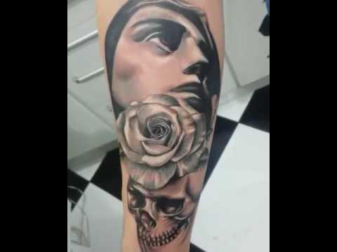 Tatuagem santa com cranio e rosa sombreada tattoo 2000 for Tattoo santa rosa