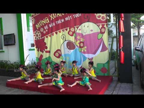 Mừng xuân mới 2013 - Thể dục nhịp điệu: Chúc xuân