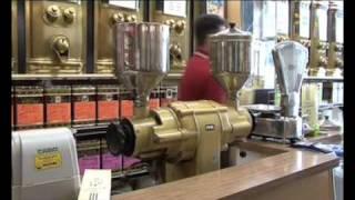 Cafés De Pauw(En tant que torréfacteur depuis 1937, la maison De Pauw est devenue maître dans l'art de la composition des différents arômes de cafés. Vous y trouverez des ..., 2007-08-09T19:05:21.000Z)