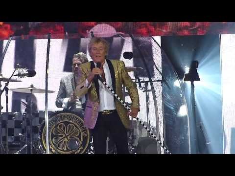 Maggie May by Rod Stewart at the Isle of Wight Festival 2017