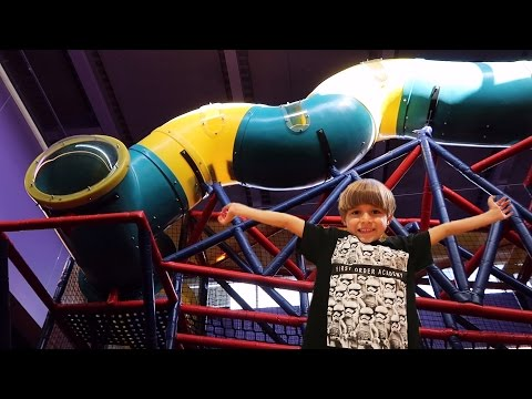 Indoor Playground Family Fun - Colors, Crayons, Happy Kids - Crayola Experience