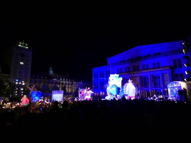 1000 Jahre Leipzig - Köpfe auf dem Augustusplatz