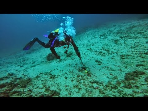 Frogmaster #2 Scuba detection diving Minelab Excalibur II Underwater metal detecting @-215ft/-65m.