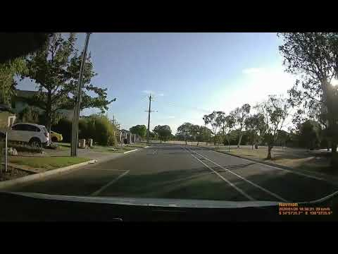New Navman MiVue 820 Dashcam Near Miss With Idiot Driver Within 5 Minutes  Of Install