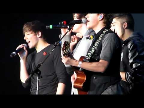 One Direction - Grenade HD Close 07.04.11.mp4