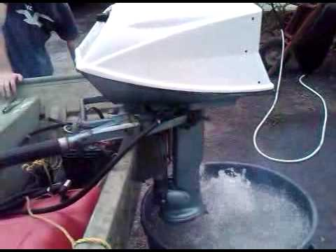 1963 evinrude fisherman 5 5 hp outboard motor youtube. Black Bedroom Furniture Sets. Home Design Ideas