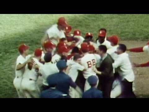1964 WS Gm7: Gibson seals World Series Game 7 win