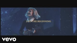 Смотреть клип Grace Vanderwaal - Just The Beginning