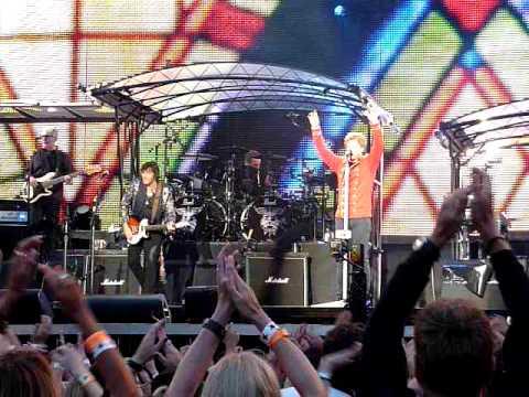 bon-jovi---live-2011---munich---12.06.2011---lay-your-hands-on-me