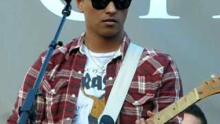 Bruno Mars - The Other Side (The Grove, Los Angeles) 09-17-10
