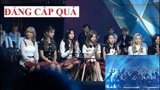Phản ứng của Super Junior, TWICE  khi xem Bích Phương 'Đi đu đưa đi' tại Lễ trao giải AAA 2019