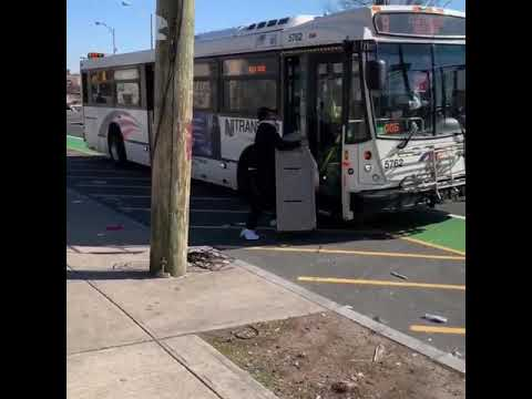 Bodhi - Guy Tries to Take an ATM onto a Bus (Video)