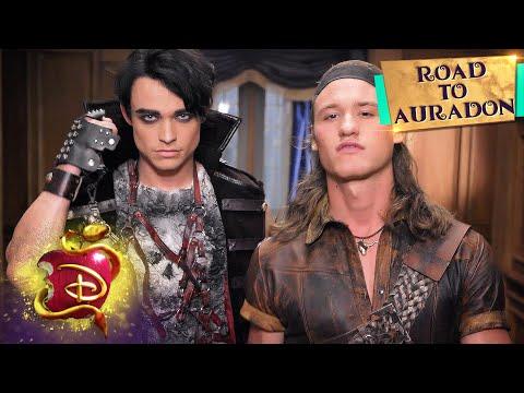 Pirates And New Villains ☠️ | Road To Auradon | Descendants 3