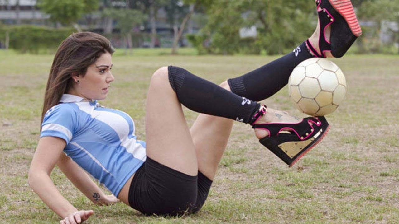 hot girl soccer !!! Amazing - YouTube