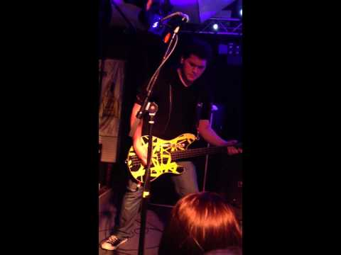 Wolfgang Van Halen playing bass Mark Tremonti