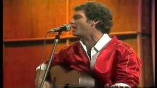 Larry Gatlin & The Gatlin Brothers Band - She used to sing on Sunday 1981