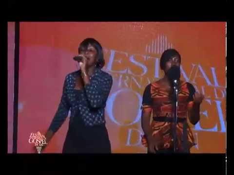 Philcha MOMBAYA ( fille de Charles MOMBAYA ) chante pour la gloire de DIEU
