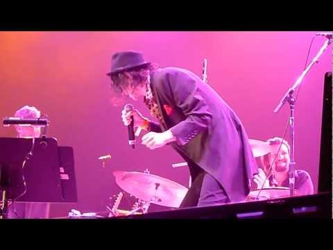 Peter Wolf And The Midnight Travelers-Love Stinks