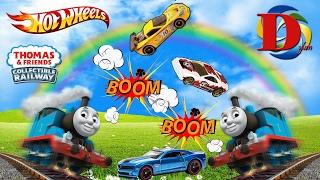 Томас и Его Друзья 2 Паровозика СБИВАЮТ машинки ХОТВИЛС Trains Toys Thomas and Friends HOT WHEELS