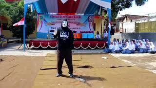 Mysterious Guy dance using an Anonymous Mask