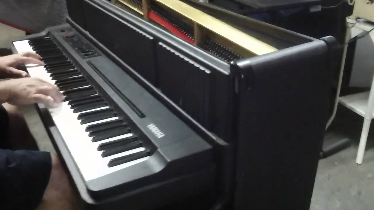 Yamaha vintage electric piano CP60M - YouTube