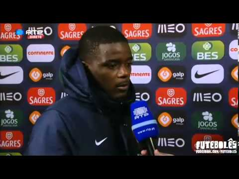 Awkward moment entre Hugo Gilberto e William Carvalho