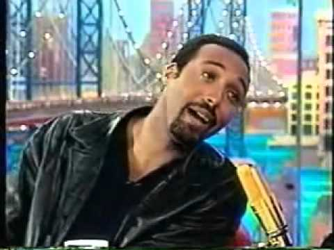 Jesse L Martin sings to Rosie O'Donnell