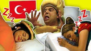 Fozi Sleeps in the Hallway - فوزي موزي وتوتي (في إسطنبول) - النوم