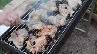 Как сделать так чтобы мясо не прилипало к решётке?