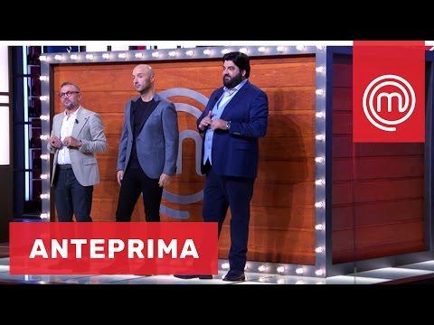 Cosa c'è nella mega Mystery Box? | Celebrity MasterChef Italia