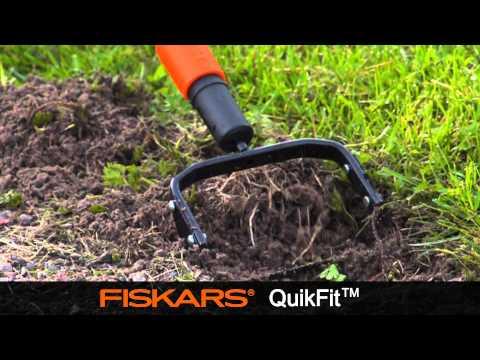 Fiskars QuikFit™  Push-Pull Weeder 139970
