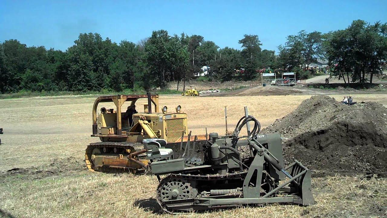 Classic crawler tractors: International-Harvester's Model TD25
