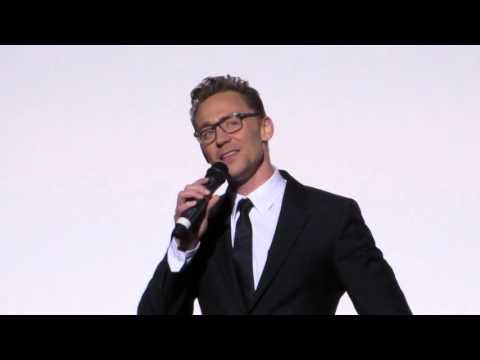 Tom Hiddleston does his best Northern Irish accentimpression!