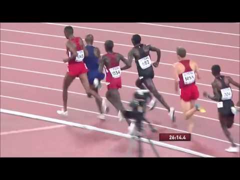 Kamworor uses his left hand to strike Mo Farah 10000m Beijing World 2015