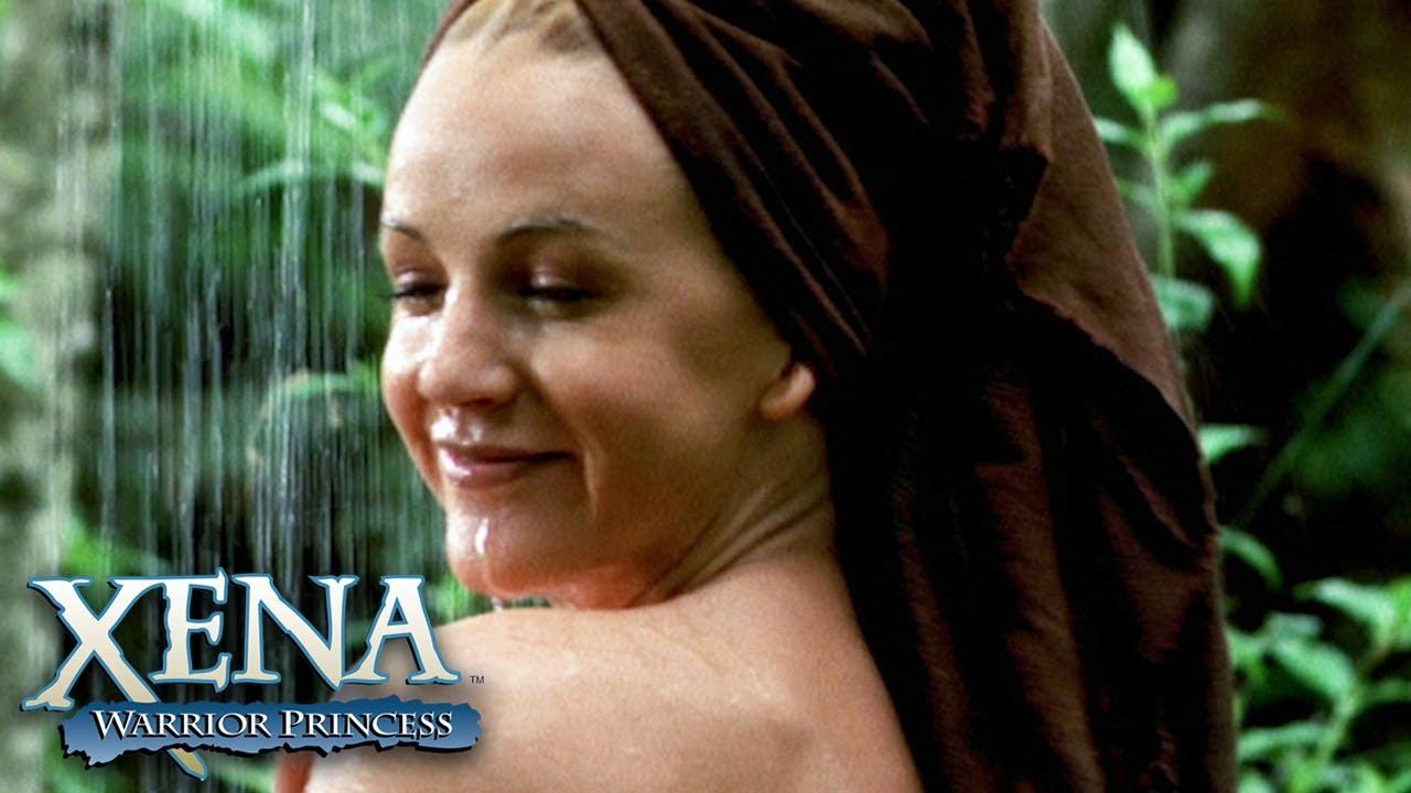 Download Xena Steals Gabrielle's Favourite Shirt   Xena: Warrior Princess