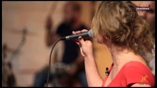 Deniz Sipahi - Düşünme Hiç [Ajda Pekkan Cover] / #akustikhane #sesiniac