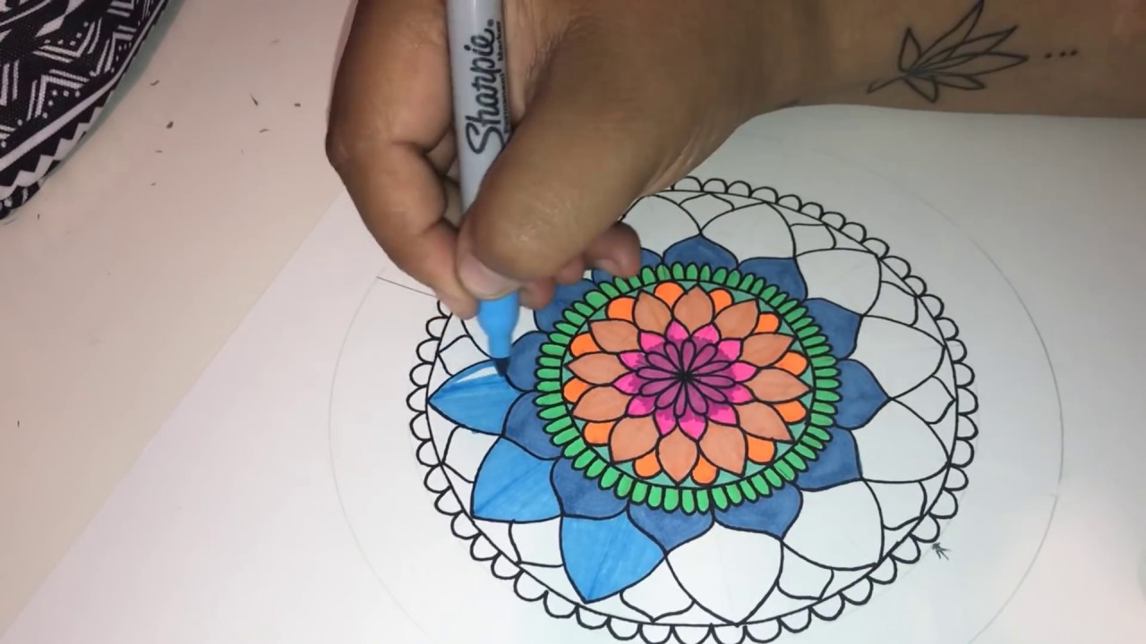 Como Dibujar Mandala Simple A Color Paso A Paso How To Draw Simple Colored Mandala Step By Step