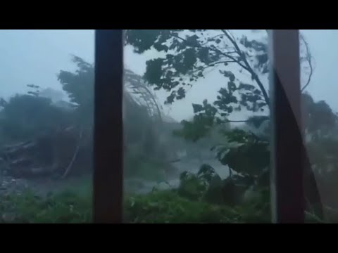 Hurricane Maria hits Dominica (Footage)