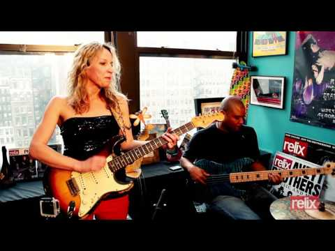 "Ana Popovic ""Who's Yo' Mama?"""